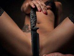 Loňský vítěz soutěže Sexistické prasátečko byl výrobce nožů.