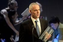 Hlavní cenu v soutěži Magnesia Litera získal 24. dubna v Praze román Jiřího Hájíčka (na snímku) Rybí krev, který vydalo nakladatelství Host.
