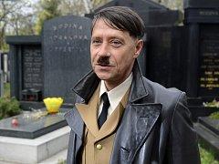 Pavel Kříž při oficiální první klapce filmu.