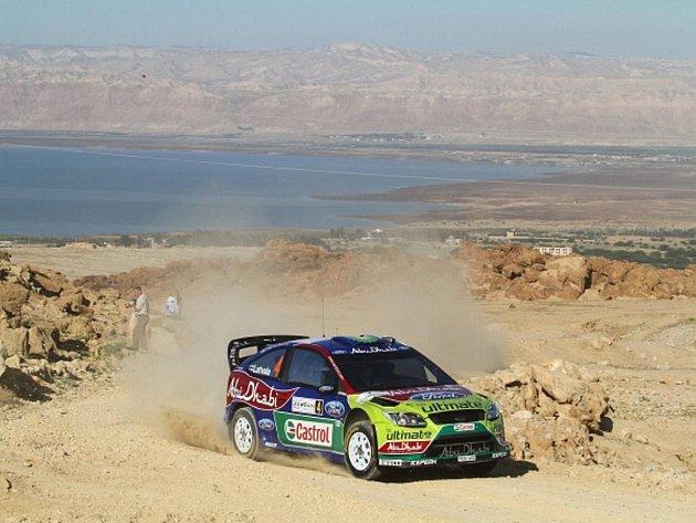 Jari-Matti Latvala na trati Jordánské rallye.