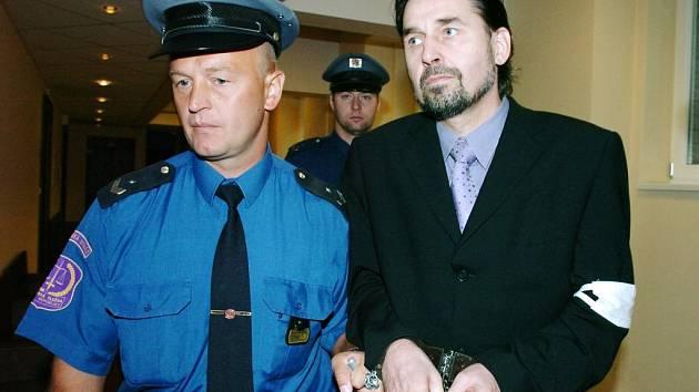 Václav Etlík u soudu.