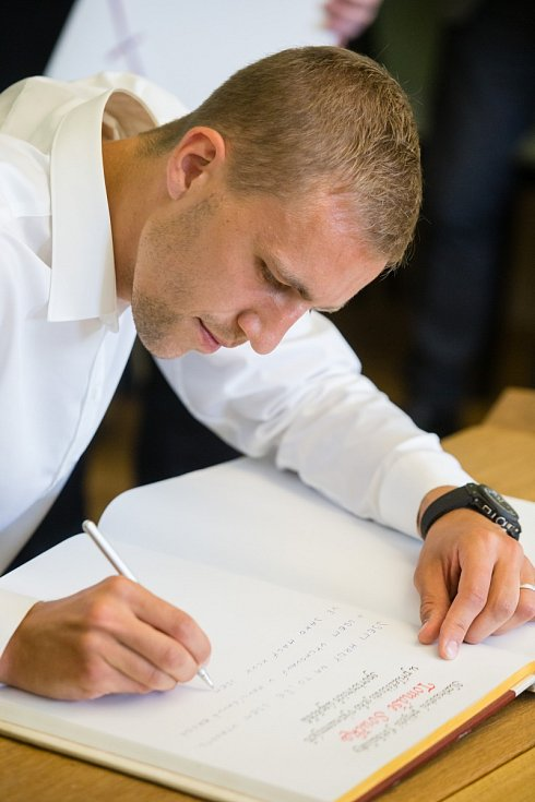 To není podpis nového kontraktu, ale slavnost doma v Havlíčkově Brodu