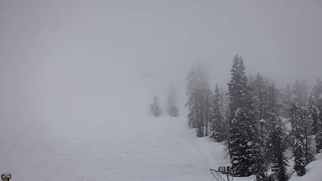 Špatná viditelnost nakonec nepustila na start jedinou lyžařku