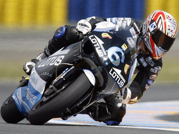 Kvalifikaci Velké ceny Francie ovládl v kategorii do 250 ccm Španěl Alex Debon.