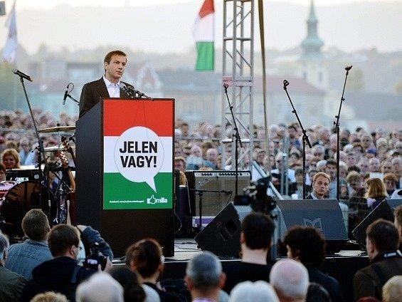 Gordon Bajnai mluví na statisícovém shromáždění v Budapešti
