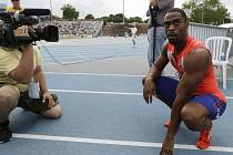Tyson Gay v cíli závodu na 200 metrů