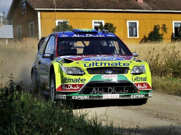 Mikko Hirvonen na trati Finské rallye.