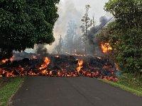 Láva se na Havaji dostala až do obydlené oblasti.