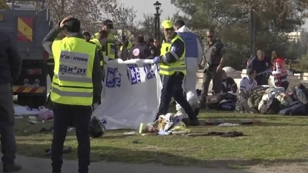 Palestinec najel kamionem do vojáků v Izraeli; čtyři mrtví