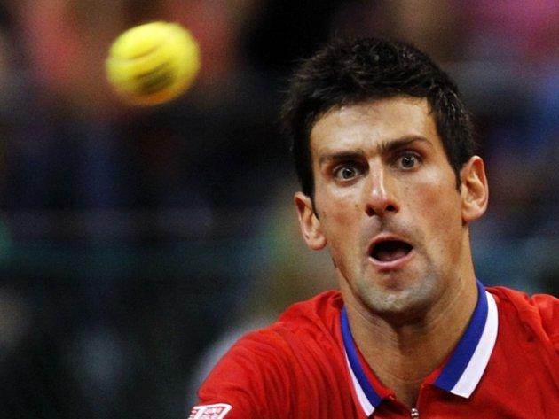 Novak Djokovič přispěl dvěma body k postupu Srbska do finále Davis Cupu.
