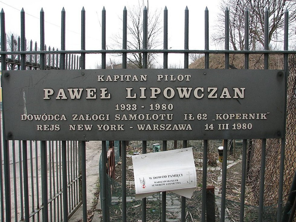 Pamětní deska kapitána letu Pawla Lipovczana