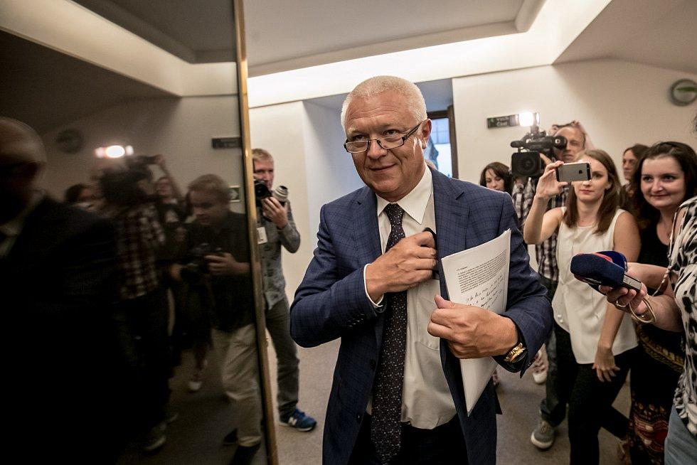 Členové mandátového a imunitního výboru Sněmovny rozhodovali 30. srpna v Praze, zda zda doporučí sněmovně, aby zbavila imunity poslance Andreje Babiše a Jaroslava Faltýnka (na snímku).