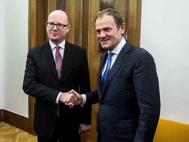 Premiér Bohuslav Sobotka přivítal v Praze předsedu Evropské rady Donalda Tuska.