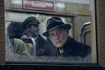 Tom Hanks ve filmu Most špiónů.