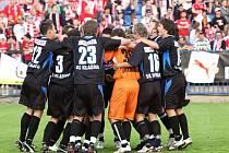 Dohrávka 24. kola první fotbalové ligy: Kladno - Slavia Praha skončila pro druhé jmenované překvapivou a neslavnou porážkou 2:1. Kladenští naopak slavili.