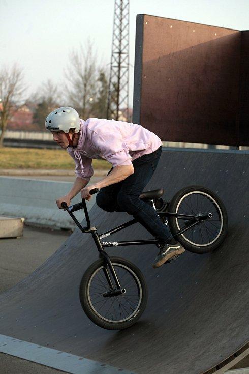 Můžete vyrazit na kolo i do skateparku