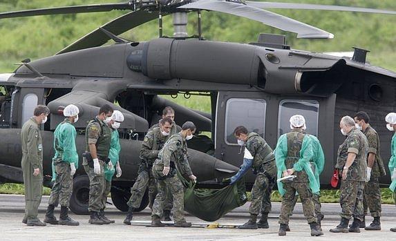 Brazilské jednotky pátrají po obětech letecké katastrofy a po zbytcích letadla