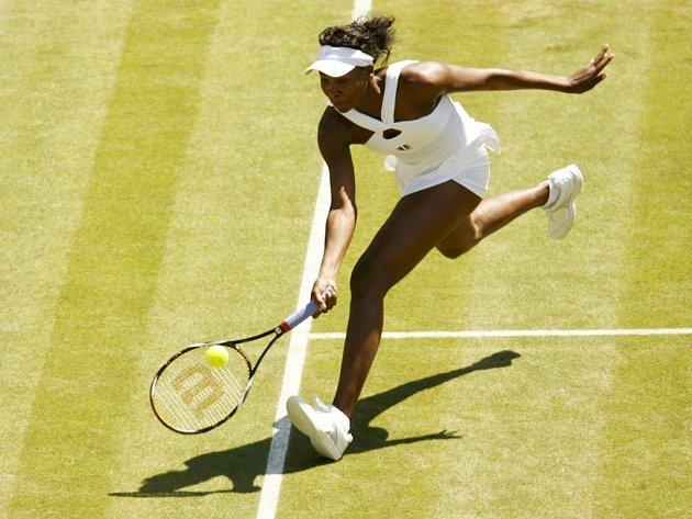Venus Williamsová postoupila do osmifinále letošního ročníku Wimbledonu.
