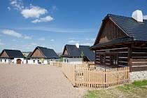 Maximální bezúdržbovost, odolnost a životnost - takové byly hlavní požadavky investora ohledně použitých stavebních konstrukcí, včetně střešní krytiny.
