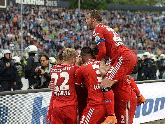 Fotbalisté Hamburku mají důvod k radosti: zachránili se v Bundeslize