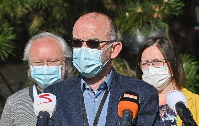 Jan Blatný (uprostřed).