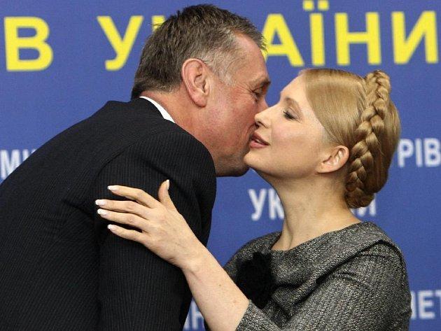 Třídenní mise českého premiéra Mirka Topolánka v Rusku a na Ukrajině zůstane zřejmě bez konkrétního výsledku. Moskva i nadále odmítá pouštět plyn do Evropy.