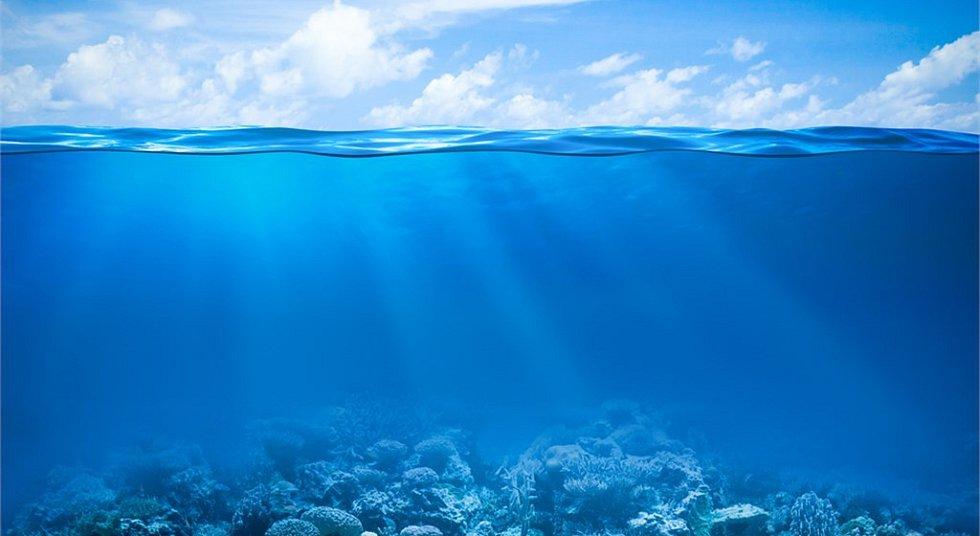 Čistého moře ubývá