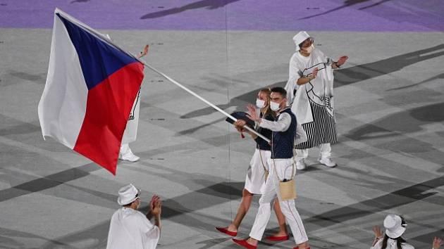 Petra Kvitová a Tomáš Satoranský během zahajovacího ceremoniálu v Tokiu.