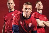 Nové reprezentační dresy vyzkoušeli Vladimír Coufal, Bořek Dočkal a Jakub Brabec.