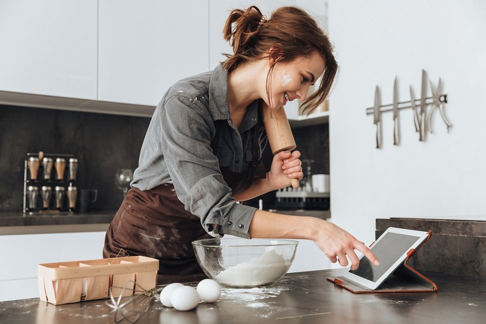 Vaření, kuchyně, těsto. Ilustrační foto