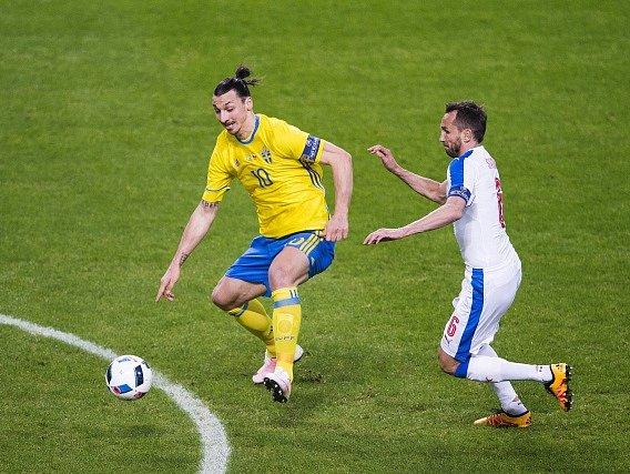 Tomáš Sivok (vpravo) hlídal Zlatana Ibrahimovice