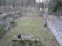 Zřícenina kostela sv. Linharta.
