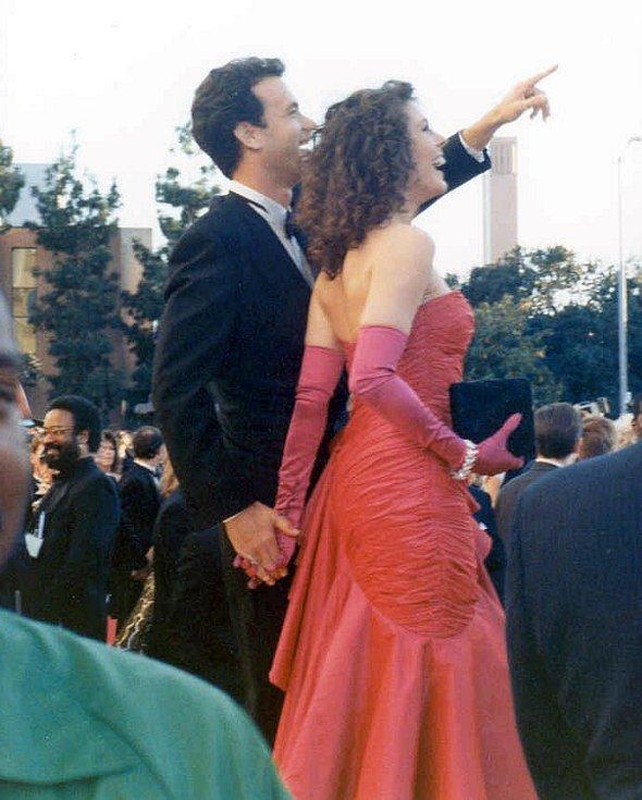 Manželé Toma Hanks a Rita Wilsonová na červeném koberci u příležitosti předávání Oscarů 29. března 1989