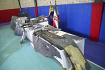 Trosky amerického dronu, který sestřelili příslušníci íránských revolučních gard.