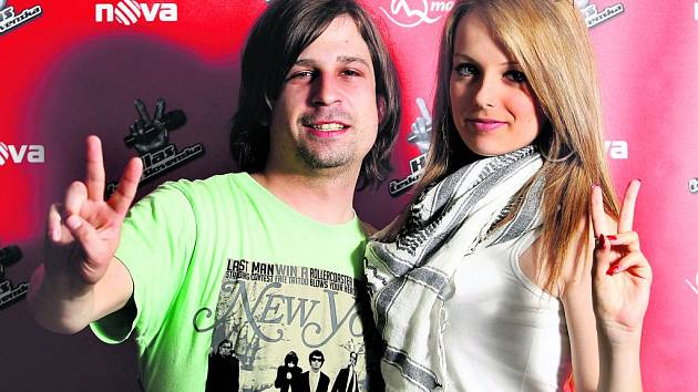 VYPADLI. Simona Hégerová a David Weingärtner, vystrnadění z dalšího kola soutěže Hlas Česko Slovenska,  při rozhovoru pro Deník.