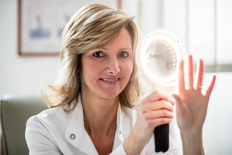 Nemáme jediný důkaz o tom, že by nějaký krém významně akceleroval novotvorbu kolagenu, vysvětluje Monika Arenbergerová.