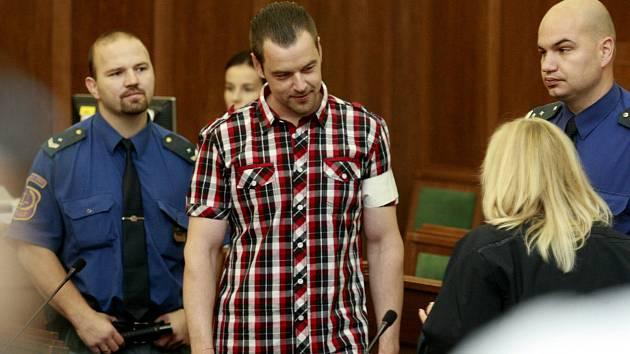 Petr Kramný v soudní síni.