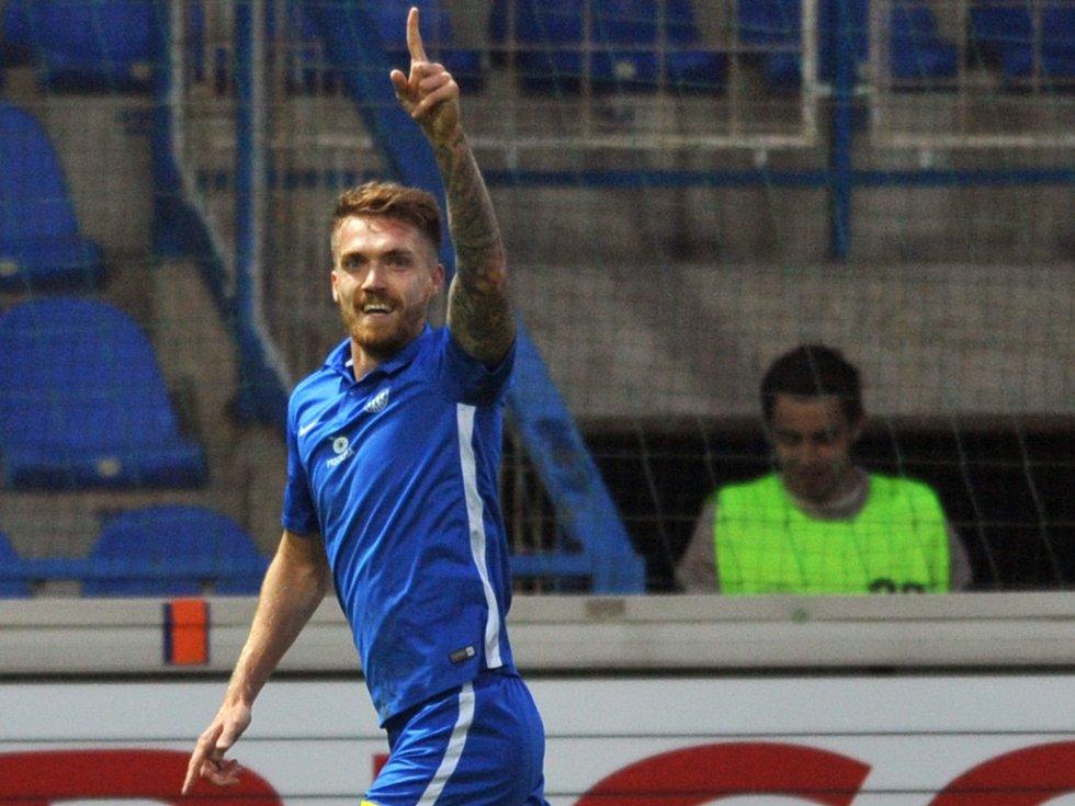 Milan Kerbr z Liberce se raduje z gólu proti Bohemians 1905.