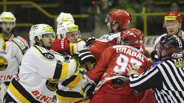 Duel mezi Litvínovem a Třincem okořenilo mnoho soubojů.