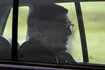 Australský kardinál George Pell odjíždí z vazební věznice ve městě Geelong 7. dubna 2020
