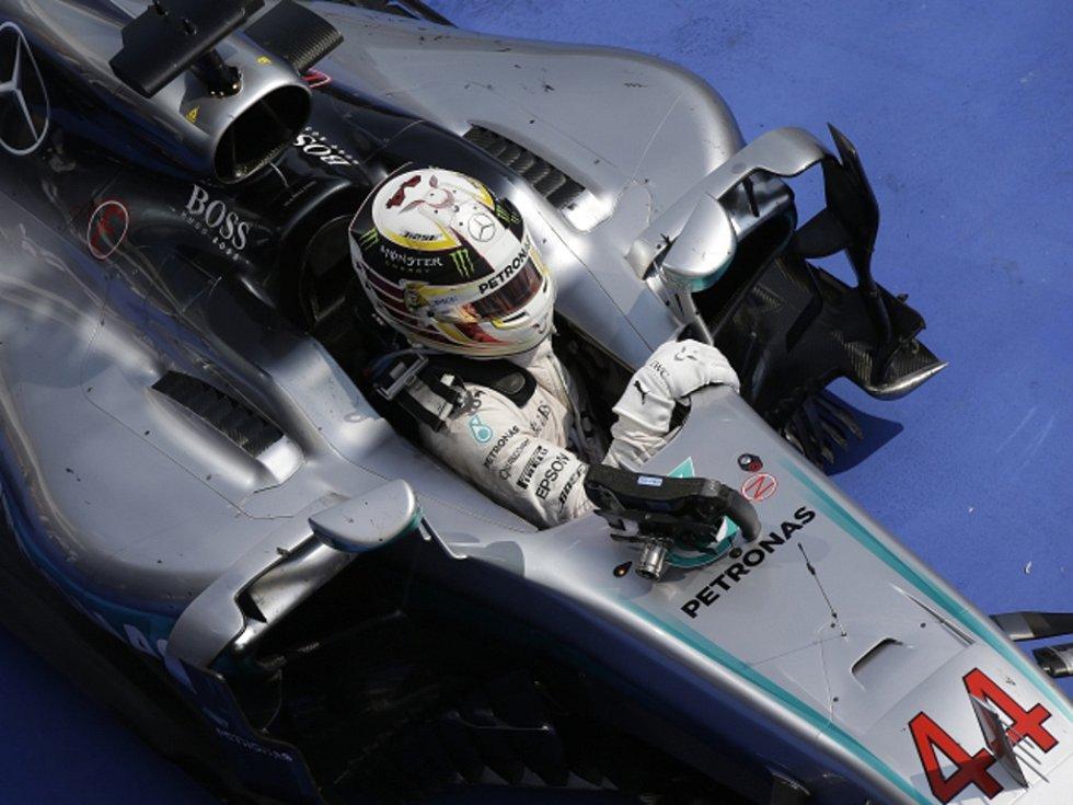Lewis Hamilton triumfoval ve Velké ceně Maďarska.
