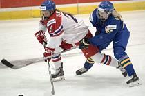 Tereza Vanišová (vlevo) proti Švédsku.