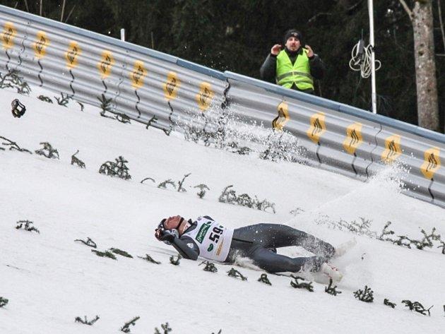 Thomas Morgenstern při pádu v tréninku na SP v Kulmu utrpěl těžký otřes mozku a zhmoždění plic.