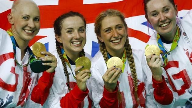 Britské dráhařky se zlatými medailemi.