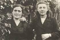 Etcia a její dcera Mania v roce 1946