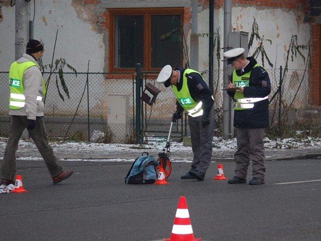 Dvě dívky ve věku 17 let srazil dnes v půl sedmé na přechodu pro chodce v Karviné-Fryštátě osmapadesátiletý řidič z Ostravy.