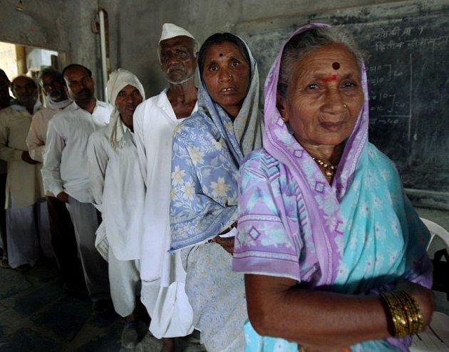 V Indii začal největší demokratický akt na světě. Pětifázových voleb do indického parlamentu se postupně zúčastní 714 milionů voličů.