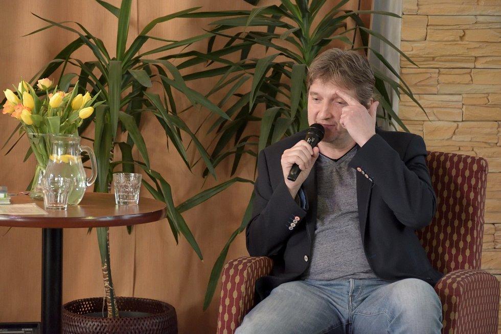 Jaromír Bosák má také vlastní talkshow v Televizi Seznam
