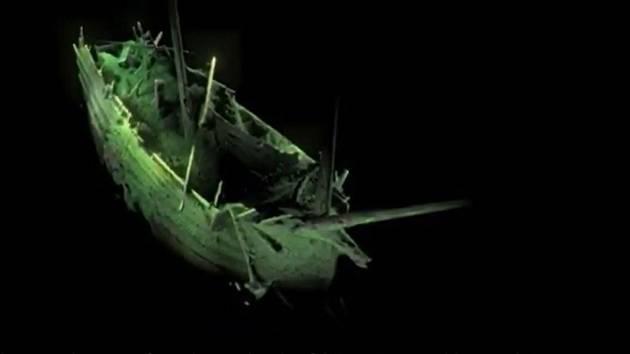 Hluboko na mořském dně se po stovky let ukrýval zachovalá nizozemská flauta, obchodní loď s hruškovitým tvarem trupu