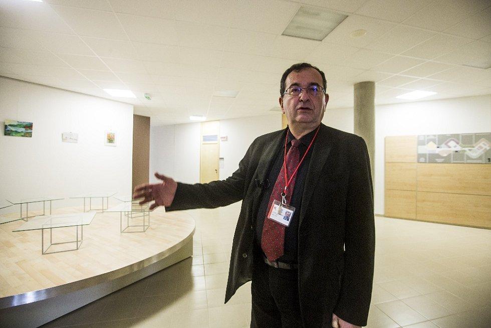 Národní ústav duševního zdraví v Klecanech u Prahy 26. března oficiálně zahájil provoz. Na snímku je ředitel ústavu Cyril Höschl.